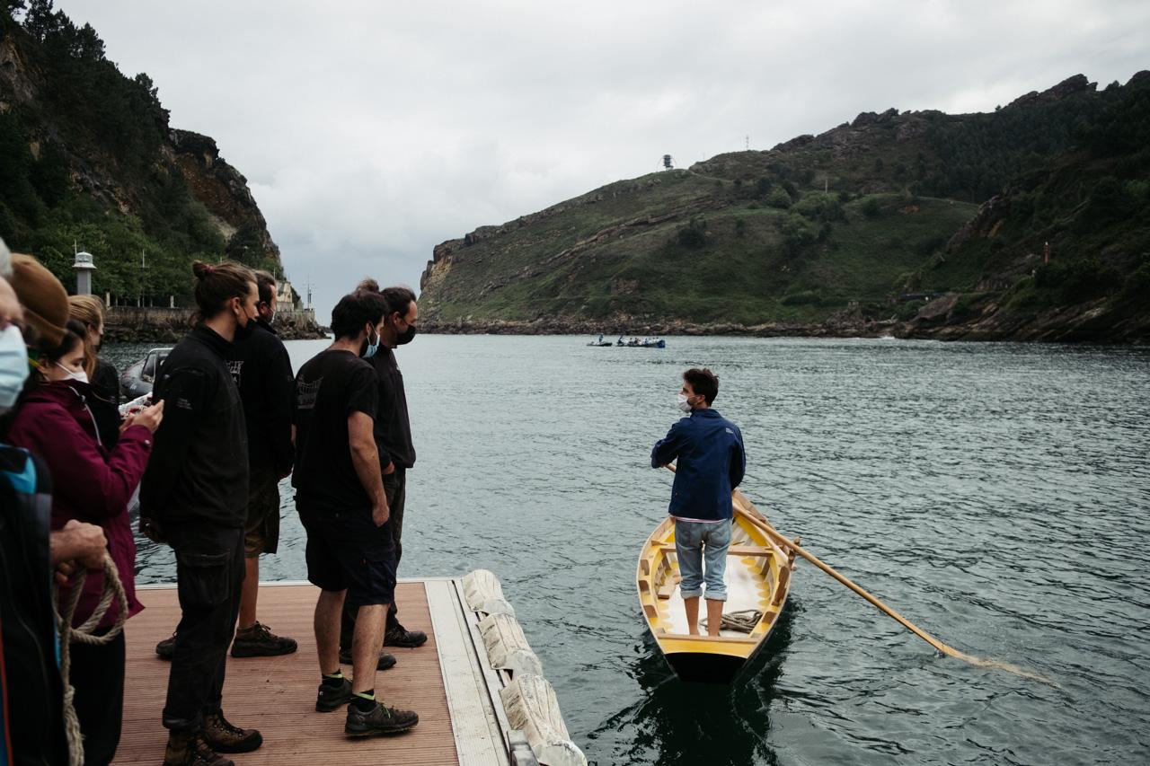 donostitik albaola sandolo botadura 20 - 'Laguna', el barco veneciano de Albaola, ya surca el mar