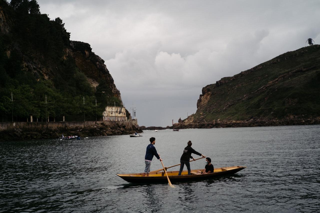 donostitik albaola sandolo botadura 23 - 'Laguna', el barco veneciano de Albaola, ya surca el mar