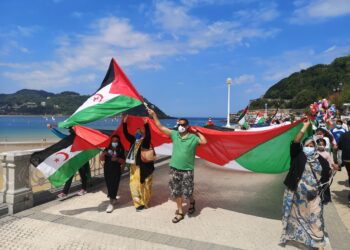 Marcha en favor del pueblo saharaui este domingo en Donostia. Foto: Ongi Etorri Errefuxiatuak