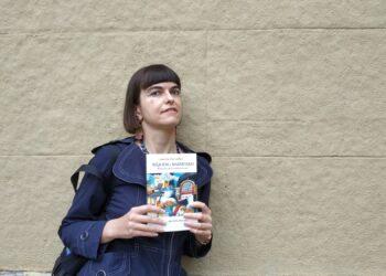 Amelia Serraller en la presentación, ayer, de su libro 'Réquiem y marmitako'. Fotos: U.M.