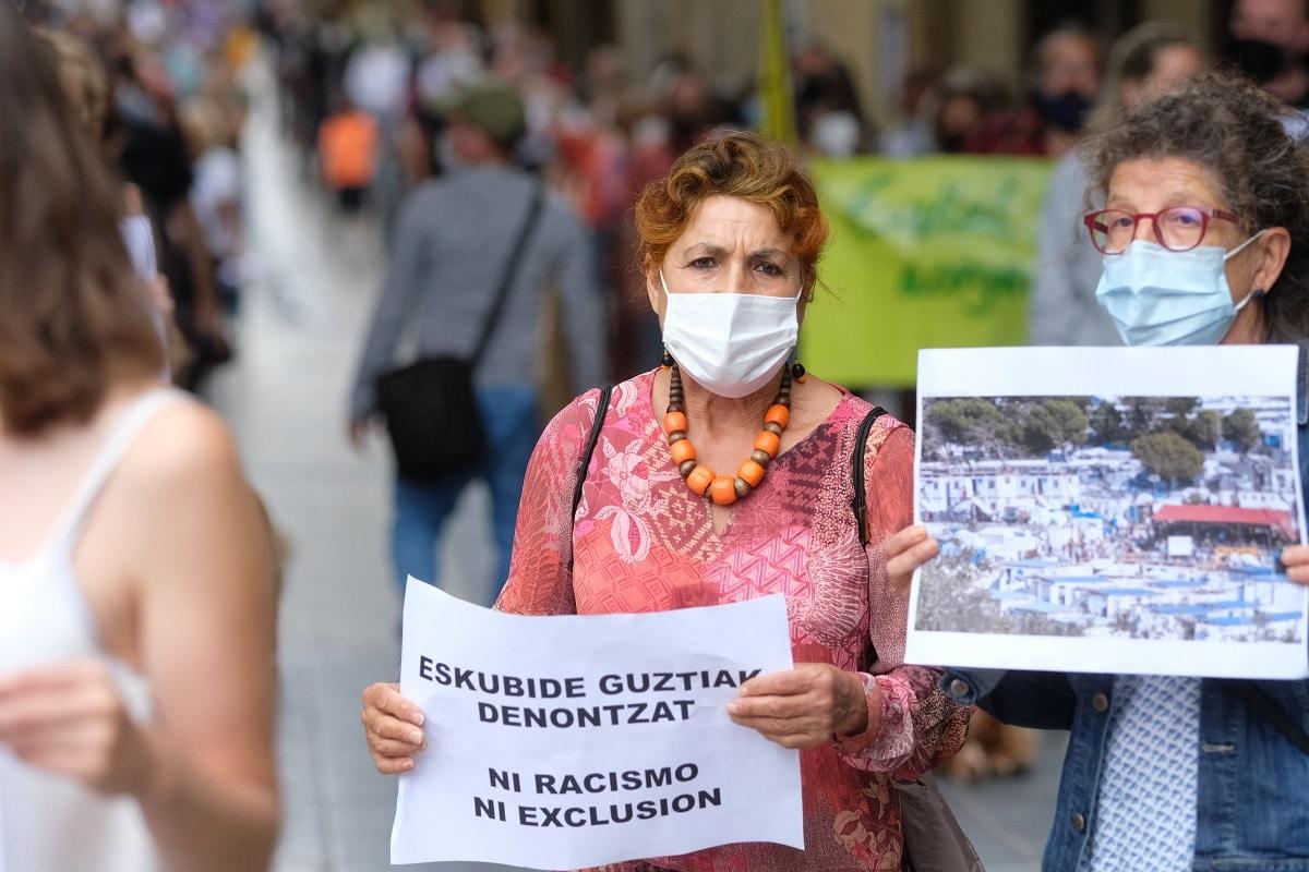 """mani4 - Marcha en Donostia """"porque migrar no es un delito"""""""