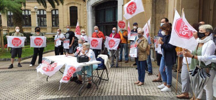Stop Desahucios, hoy, durante el pleno. Foto: Stop Desahucios