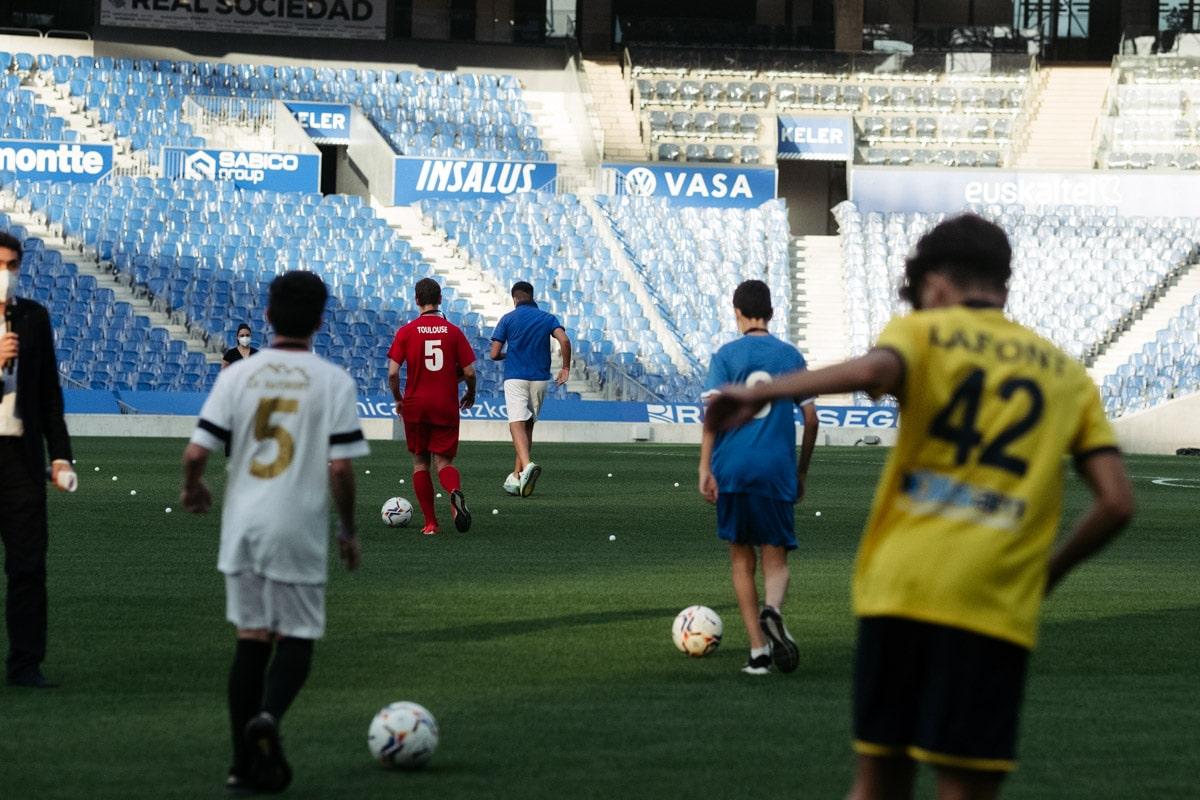 donostitik donosti cup presentacion 03 - Comienza la Donosti Cup con el saludo de Xabi Alonso a los participantes