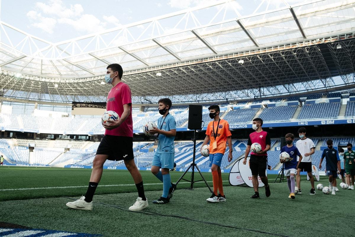 donostitik donosti cup presentacion 04 - Comienza la Donosti Cup con el saludo de Xabi Alonso a los participantes
