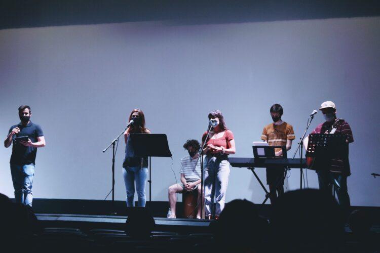 Imagen de una de las actuaciones. Foto: Iglesia Evangélica de Amara