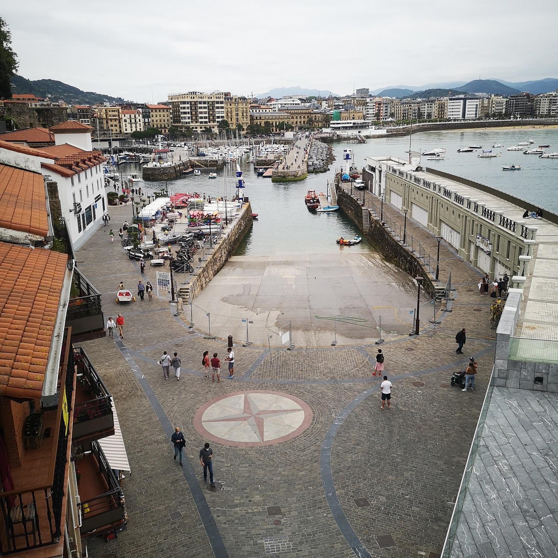 puerto donostia - Sin su rampa y con ruido, los vecinos del Puerto donostiarra inician el verano